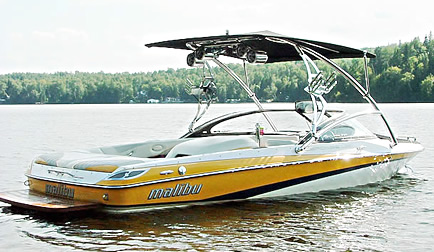 2006 Malibu Response LXi with Assault Wakeboard Tower with Eclipse Bimini