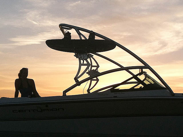 1997 Centurian Elite V-Drive wakeboard tower, speakers, racks, bimini & lights