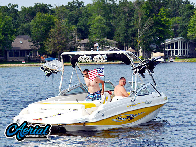 2004 Rinker Captiva 212 Wakeboard Tower, speakers, racks, bimini