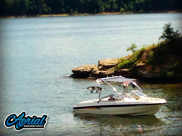 2004 Bayliner 205 Wakeboard Tower, speakers, racks, bimini