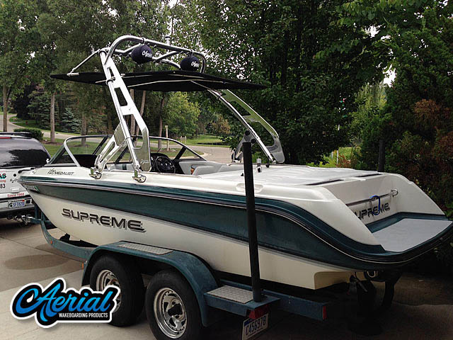1998 Ski Supreme V210 Medalist Wakeboard Tower, speakers, racks, bimini