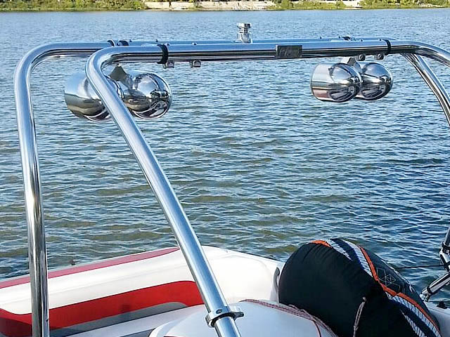 2002 Moomba Outback LS wakeboard tower, speakers, racks, bimini & lights