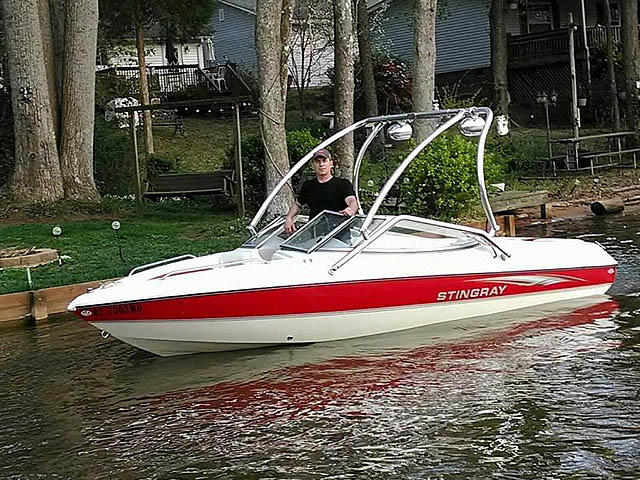 Wakeboard tower for 2003 Stingray 180LS boat featuring Aerial's Airborne Tower