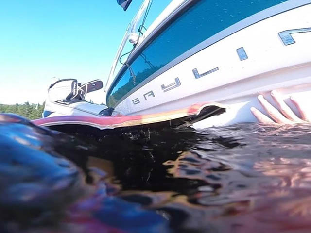 2000 Bayliner 1850 Capri LX Wakeboard Tower, speakers, racks, bimini