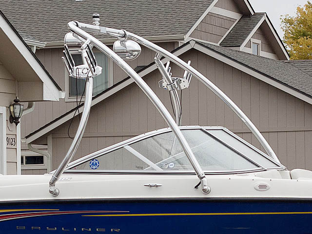 2007 Bayliner 185 Wakeboard Tower, speakers, racks, bimini