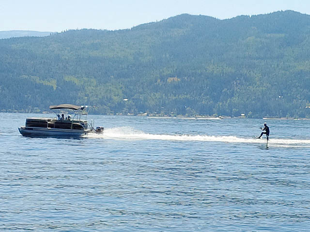 2014 Sweetwater Pontoon Boat wakeboard tower