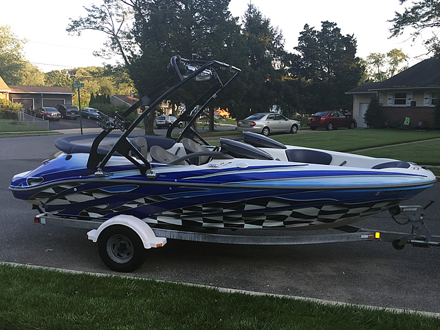 2001 Sea Doo Challenger 2000 240hp Wakeboard Tower, speakers, racks, bimini