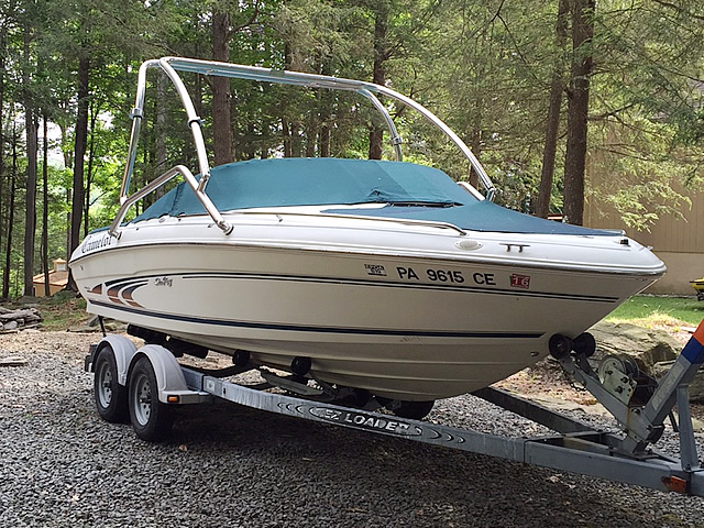 1997 Sea Ray 190 wakeboard tower, speakers, racks, bimini & lights