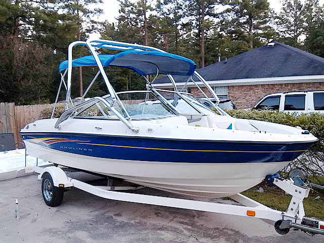 2007 Bayliner 185  wakeboard tower, speakers, racks, bimini & lights