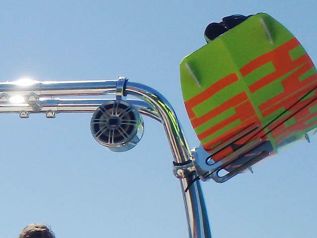 2001 Glastron GX205SF Wakeboard Tower, speakers, racks, bimini