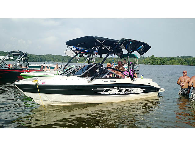Wakeboard tower for 2009 Bayliner BR185 boat featuring Aerial's Airborne Tower