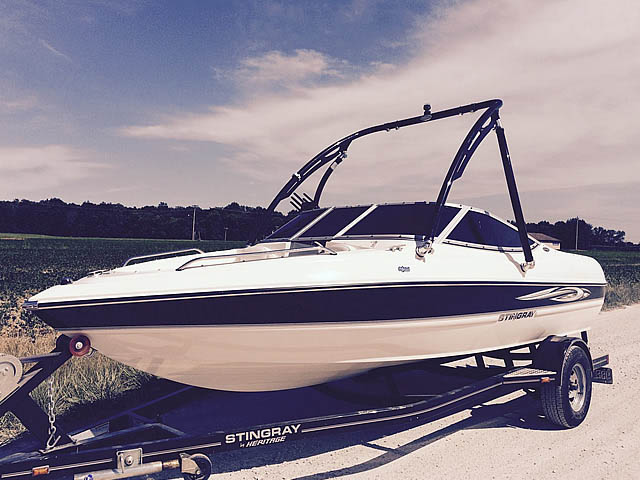 Wakeboard tower for 2008 Stingray 185 LX boat featuring Aerial's Ascent Tower