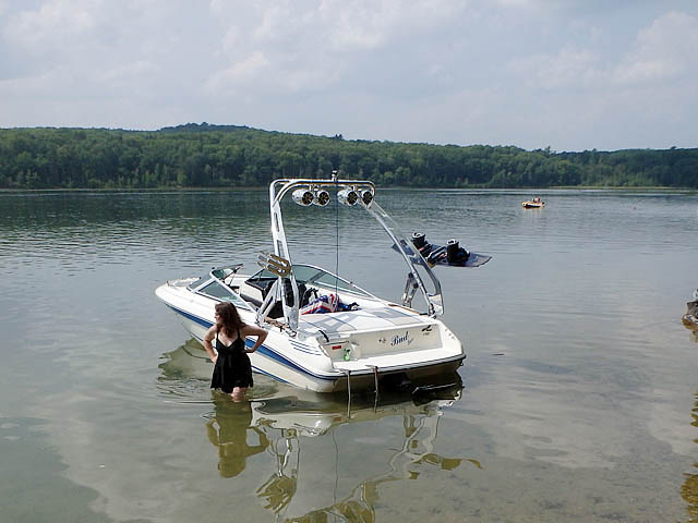 Wakeboard tower for 1990 Sea Ray 170 with FreeRide Tower