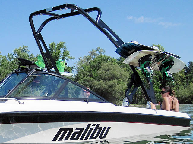 1998 Malibu Wakeboard Tower, speakers, racks, bimini