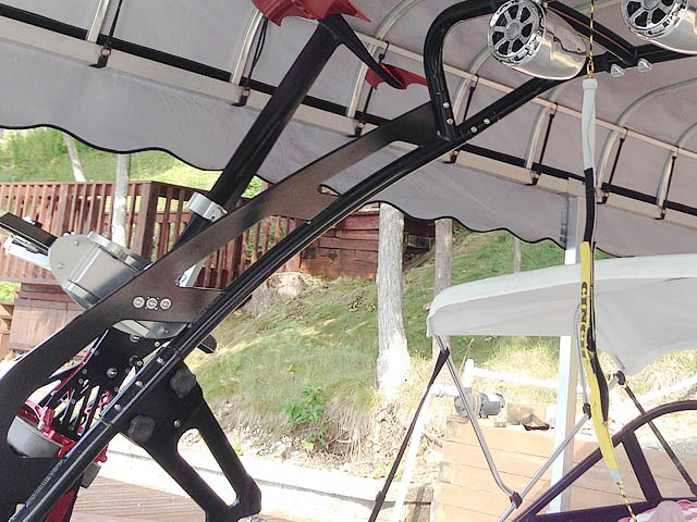 1995 Ski Nautique Wakeboard Tower, speakers, racks, bimini