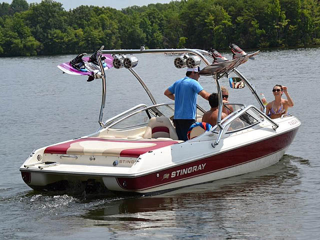 Wakeboard tower for 2000 Stingray 200LX boat featuring Aerial's Airborne Tower