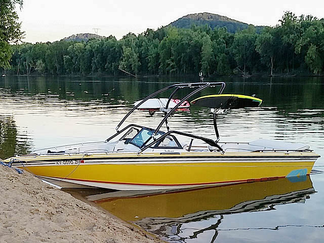 Wakeboard tower for 1986 Supra Saltare with Airborne Tower