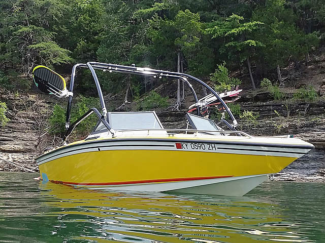 1986 Supra Saltare Wakeboard Tower, speakers, racks, bimini