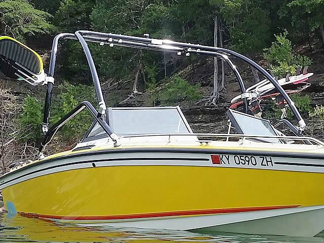 1986 Supra Saltare wakeboard tower, speakers, racks, bimini & lights