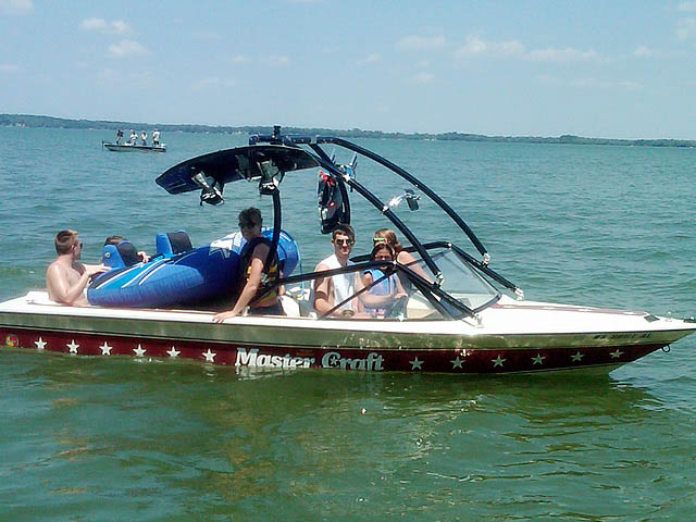 1983 Mastercraft Stars and Stripes wakeboard tower, speakers, racks, bimini & lights