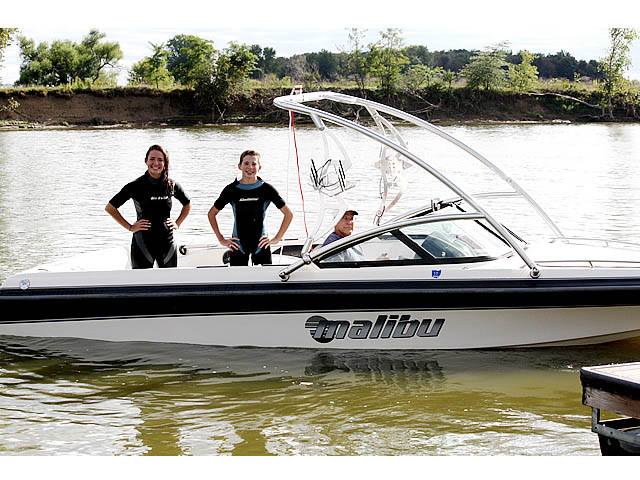 Wakeboard tower for Malibu Sunsetter 1996 boat featuring Aerial's Assault Tower