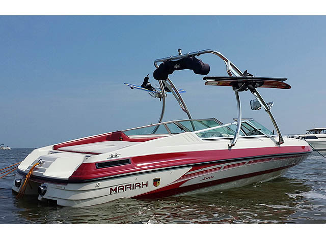 1994 Mariah 202 Shabah  Wakeboard Tower, speakers, racks, bimini