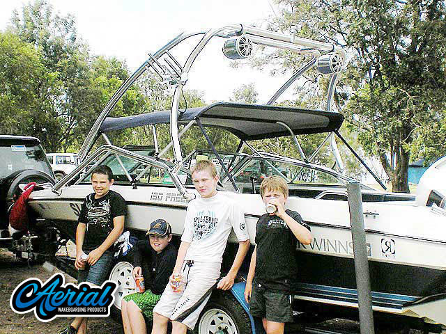Wakeboard tower for 1990 Four Winns 190 Freedom with Airborne Tower