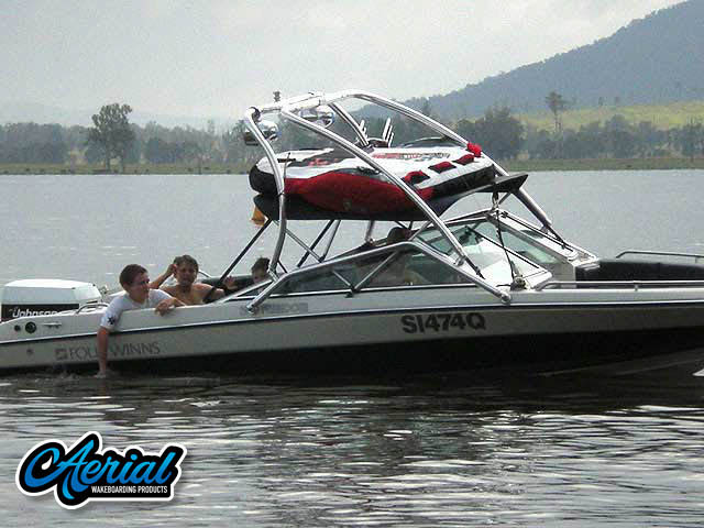 1990 Four Winns 190 Freedom Wakeboard Tower, speakers, racks, bimini