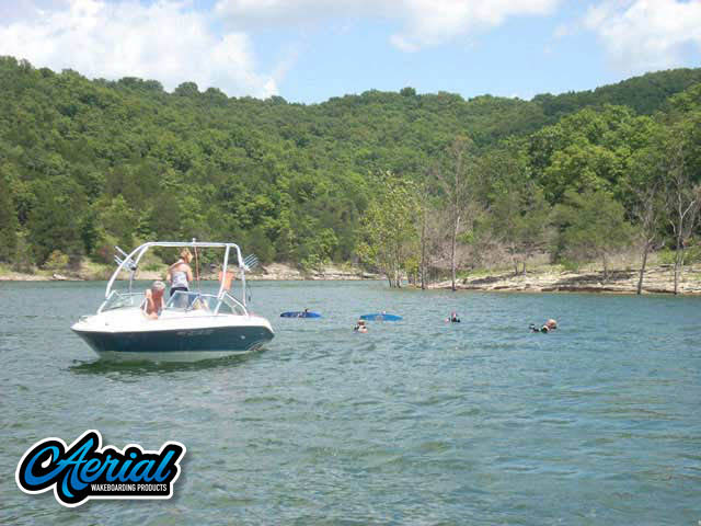 1996 SeaRay 210 Select Signature Wakeboard Tower, speakers, racks, bimini