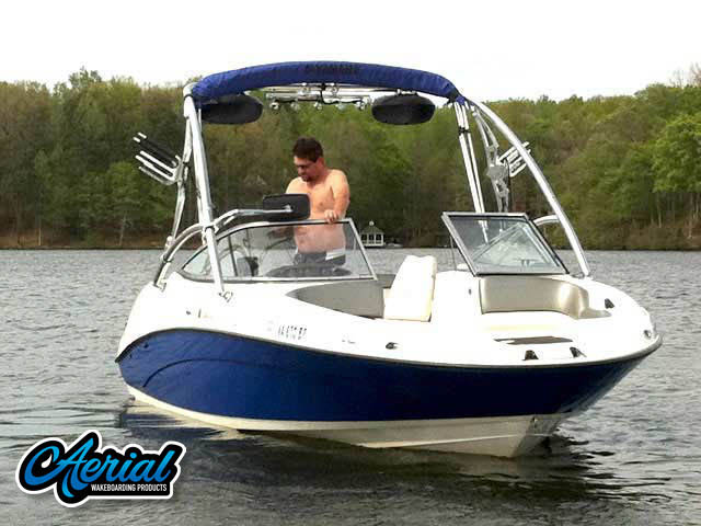2008 yamaha SX210 Wakeboard Tower, speakers, racks, bimini