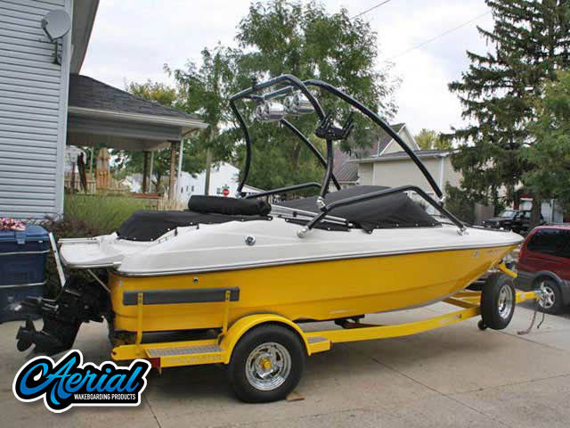 2007 Vectra Sport 172 Wakeboard Tower, speakers, racks, bimini