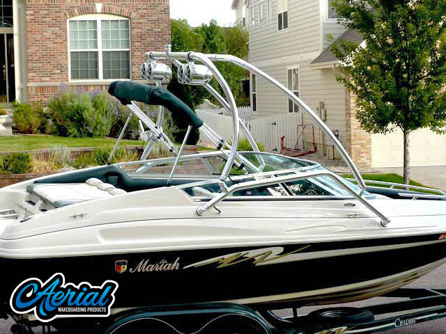 1997 Mariah Shabba 198SE Wakeboard Tower, speakers, racks, bimini