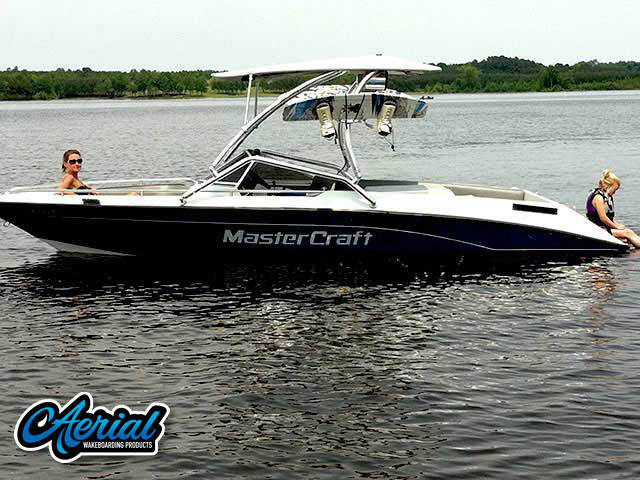 View wakeboard tower and accessories on a 1991 Mastercraft