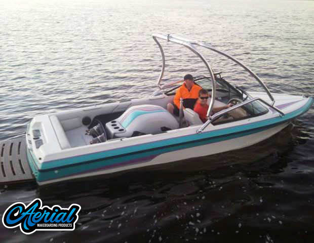 1993 Malibu Echelon Wakeboard Tower, speakers, racks, bimini