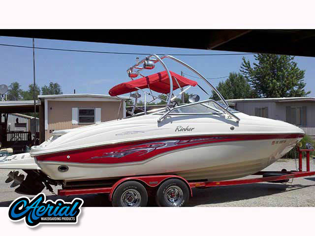 2002 Rinker Captiva Wakeboard Tower, speakers, racks, bimini