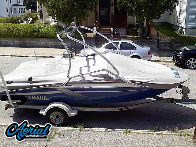 2002 Yamaha lx2000 Wakeboard Tower, speakers, racks, bimini
