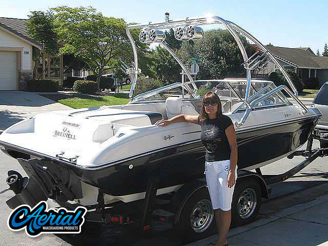 Wakeboard Towers Installed on 2005 Reinell 204 Boats