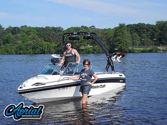FreeRide Tower Wakeboard Installed on 1990 Mastercraft Maristar 210 Boat