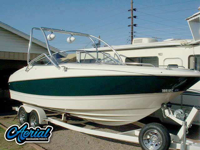 1999 Bayliner 2350BD Wakeboard Tower, speakers, racks, bimini