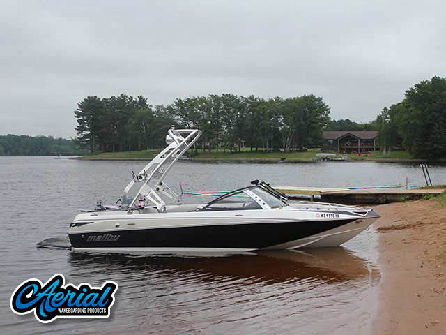 2007 Malibu Sunscape Wakeboard Tower, speakers, racks, bimini
