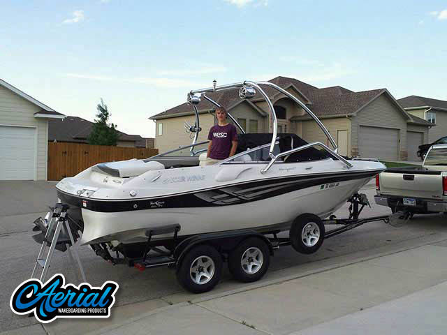 2000 Four Winns Horizon 210 Wakeboard Tower, speakers, racks, bimini