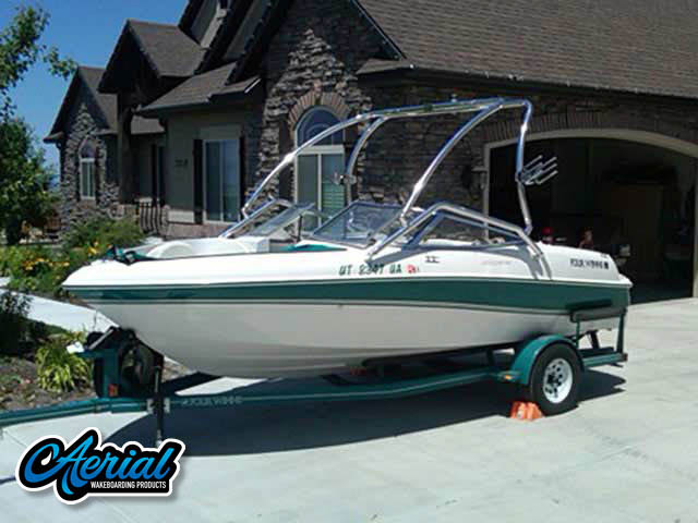 1996 Four Winns Horizon  Wakeboard Tower, speakers, racks, bimini