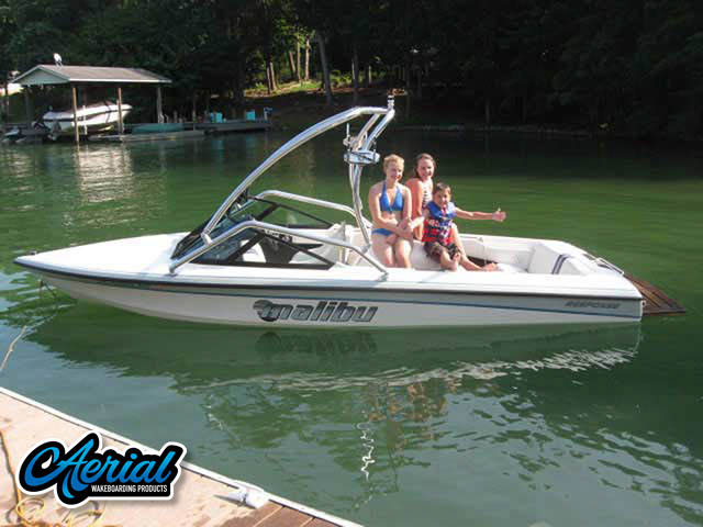 1995 Malibu Response Wakeboard Tower, speakers, racks, bimini
