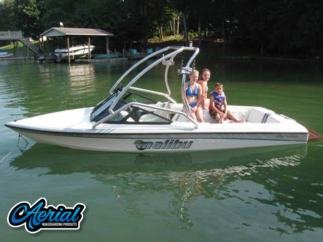 1995 Malibu Response Wakeboard Towers