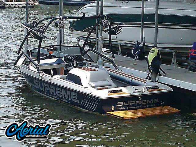 1988 Ski Supreme Wakeboard Tower, speakers, racks, bimini