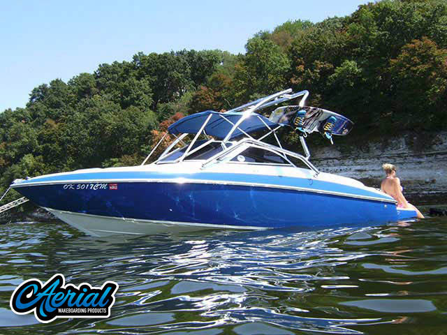 2005 VIP Vantage 202 Wakeboard Tower, speakers, racks, bimini