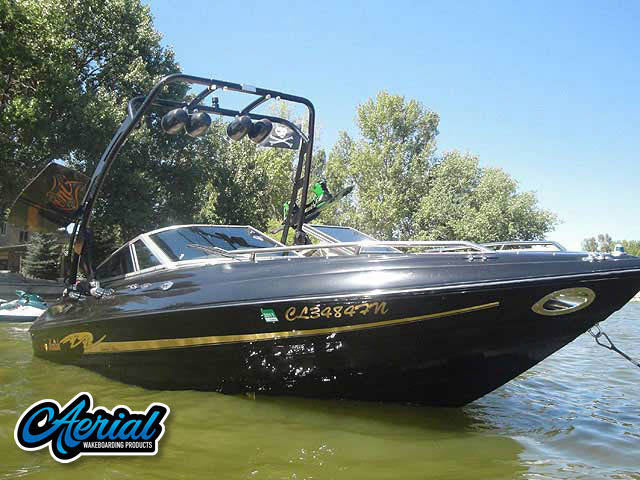 1998 mariah Z202 Wakeboard Tower, speakers, racks, bimini