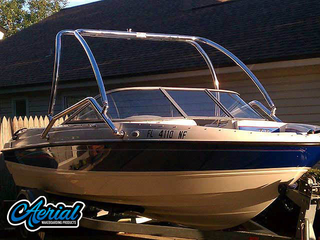 Wakeboard tower package on a 2006 Bayliner 195 BR with an Aerial Airborne Tower