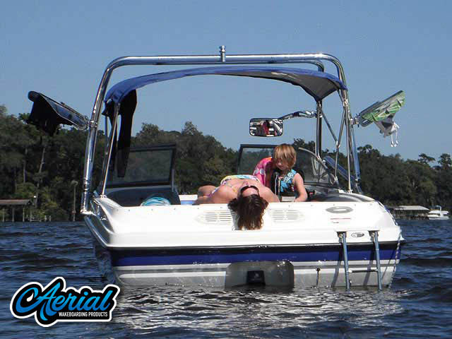 View wakeboard tower and accessories on a 2006 Bayliner 195 BR