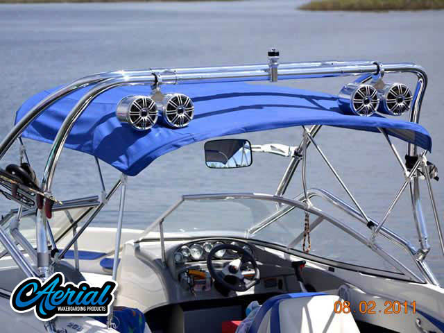 View wakeboard tower and accessories on a 2007 Bayliner